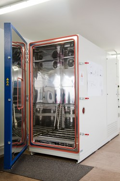 Klimatická komora, zdroj: ibc-solar.cz
