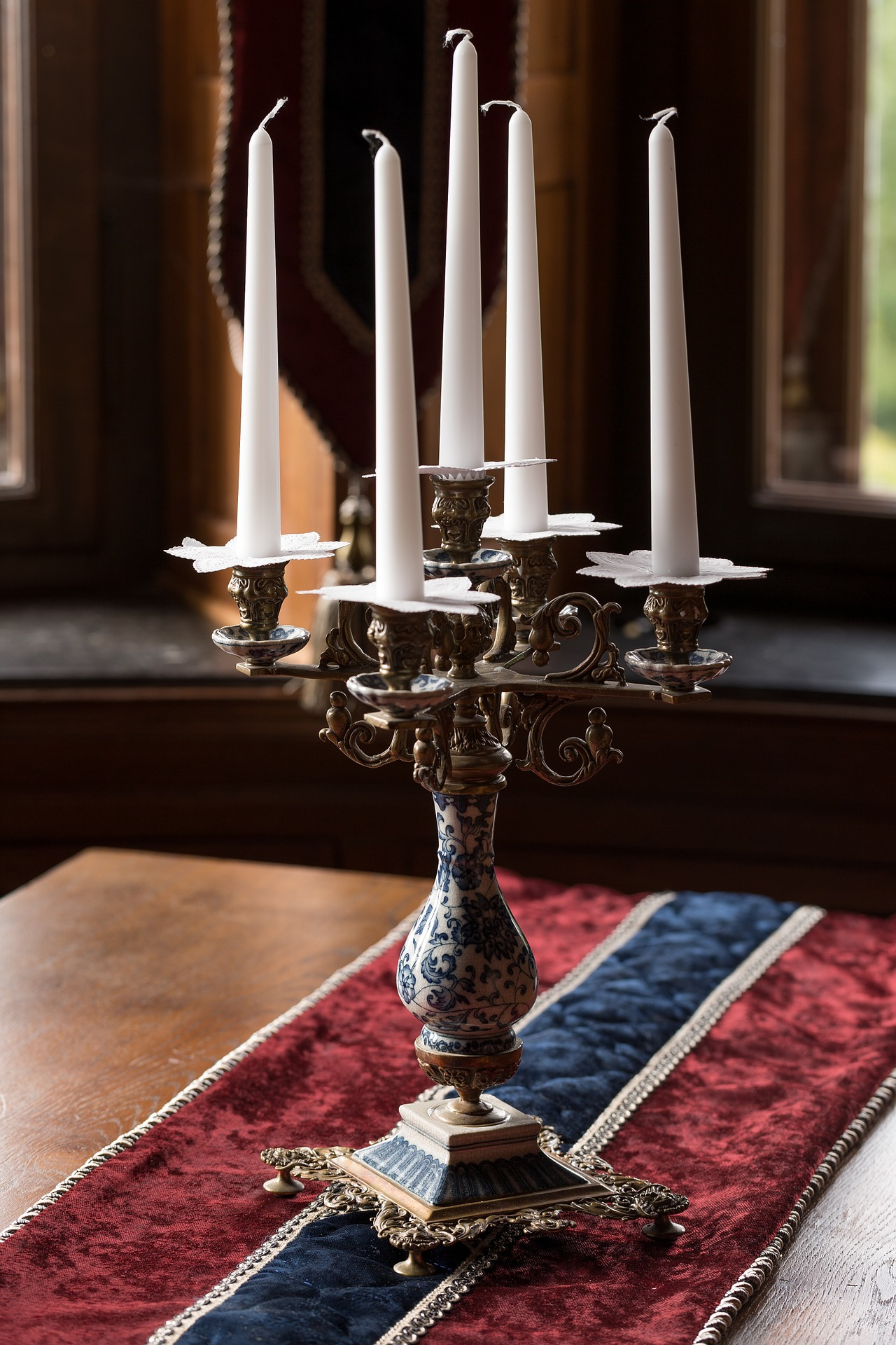 starožitný svícen