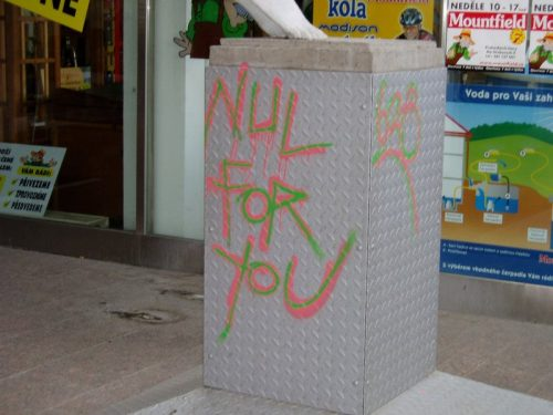 Z některých povrchů lze graffiti odstranit snáze z jiných hůře, zdroj: graffiti.cz