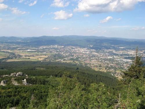 Výhled z Liberce na Ještěd, zdroj: wikipedia.org