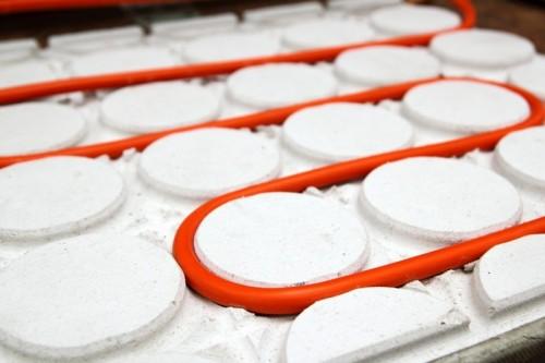 Podlahové topení je pro vytápění tepelným čerpadlem ideální, zdroj: shutterstock.com
